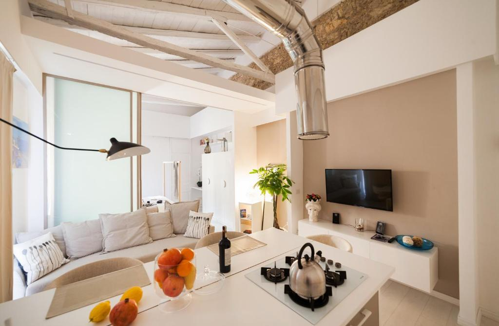A seating area at Stay In Ortigia