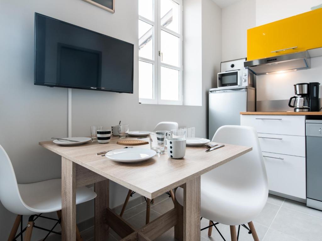 Apartment Loft Scandinave Cosy et HiTech à Lyon Part-Dieu, France ...