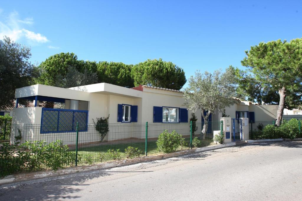 Casa de Férias Moradia no Aldeamento da Bemposta (Portugal Alvor ... bf630a03d1