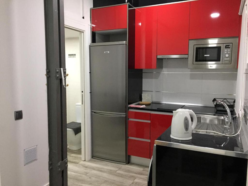 Apartment Low Cost Studio in Lavapies, Madrid, Spain - Booking.com