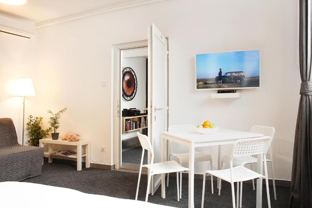 Apartment Floyd Room, Zagreb, Croatia - Booking.com