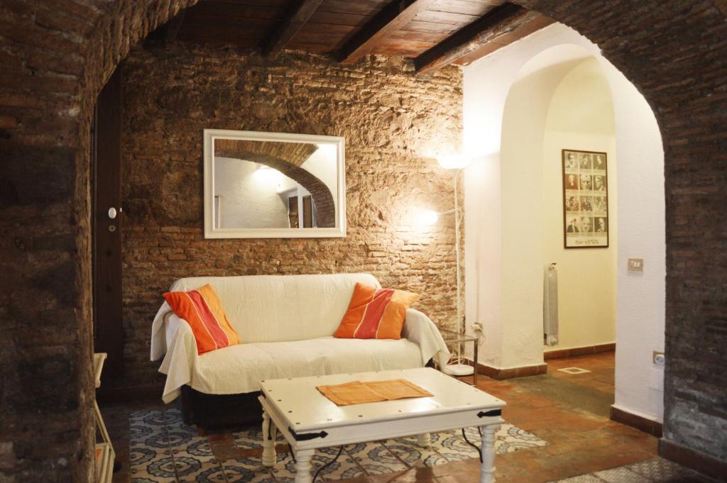 Tavolini Di Marmo Trastevere : La caravella apartment roma u2013 prezzi aggiornati per il 2019