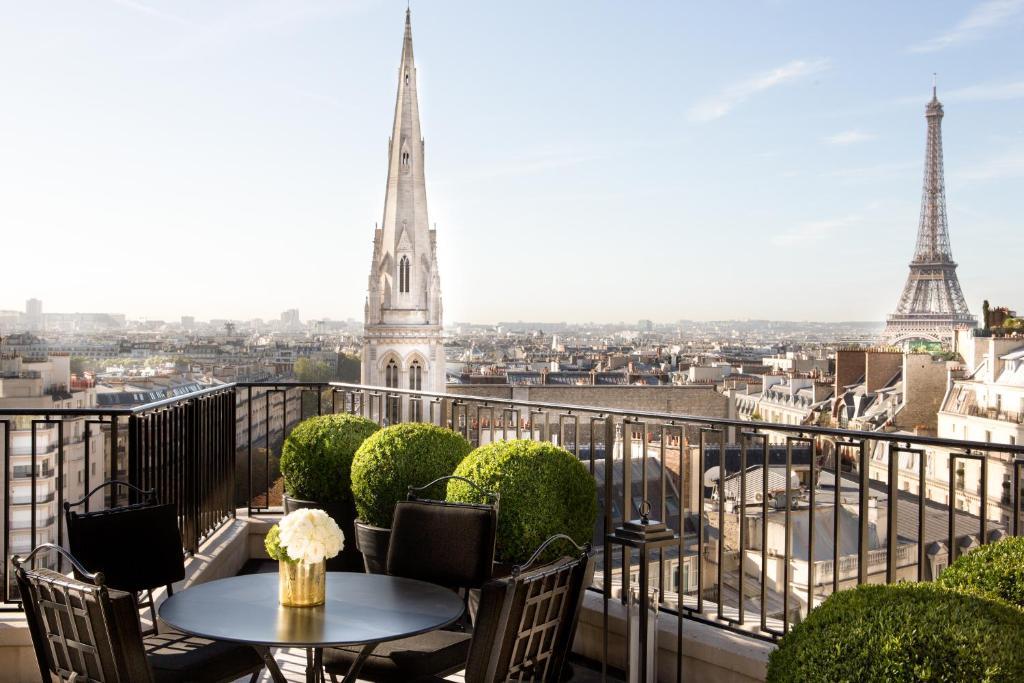 フォーシーズンズ ホテル ジョルジュサンク パリ(Four Seasons Hotel George V Paris)
