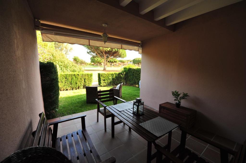Casa Dos Plantas Golf zona ocio, Novo Sancti Petri – Precios ...