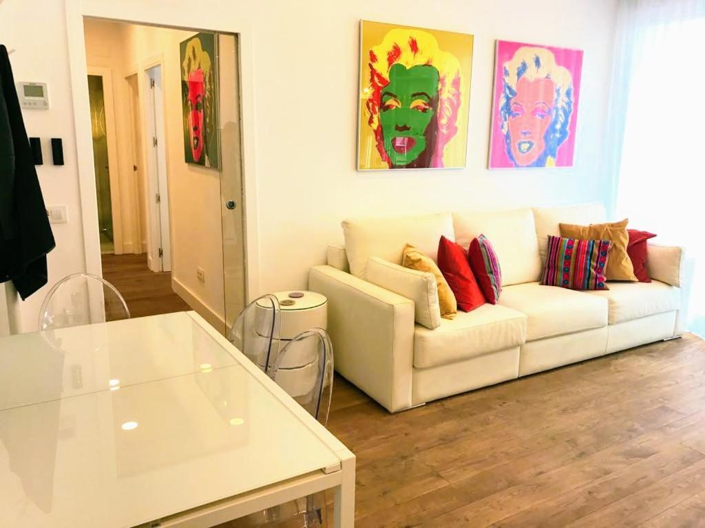 A seating area at Piso de diseño con terraza en pleno centro de Madrid