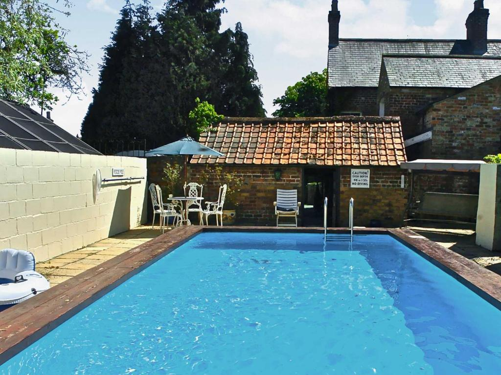 Tommies cottage north dalton uk - Uk hotels with outdoor swimming pools ...