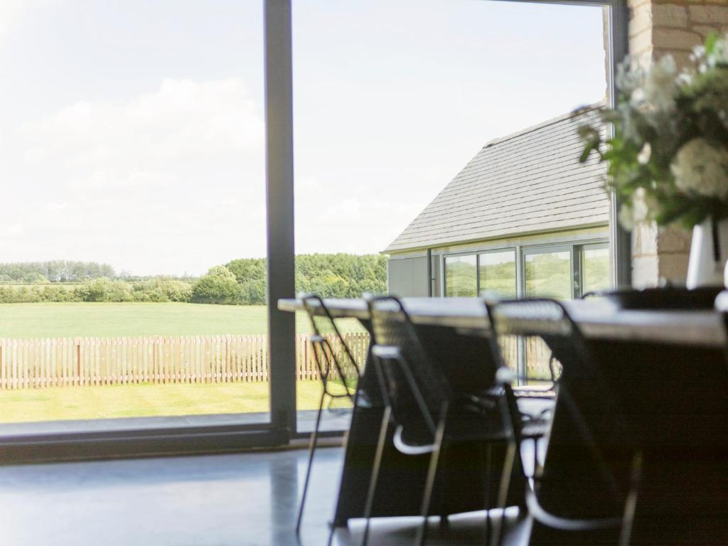 The Cotswold Barn, Ampney Crucis – Updated 2018 Prices