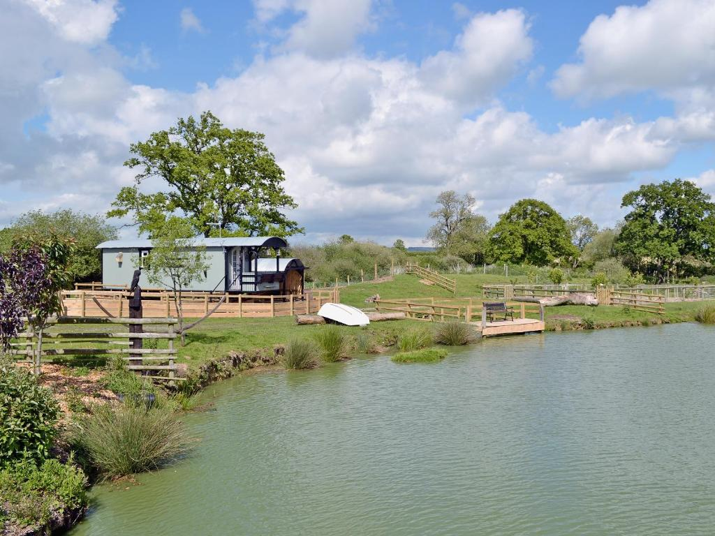 Lakeside Hut Gillingham Updated 2019 Prices