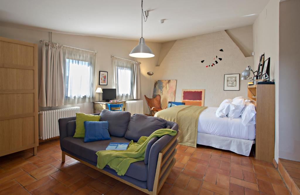 hotels with  charm in casavells  24