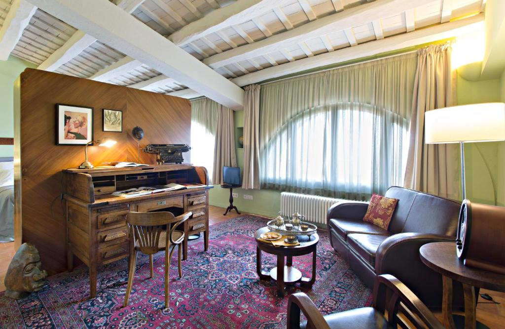 hotels with  charm in casavells  31
