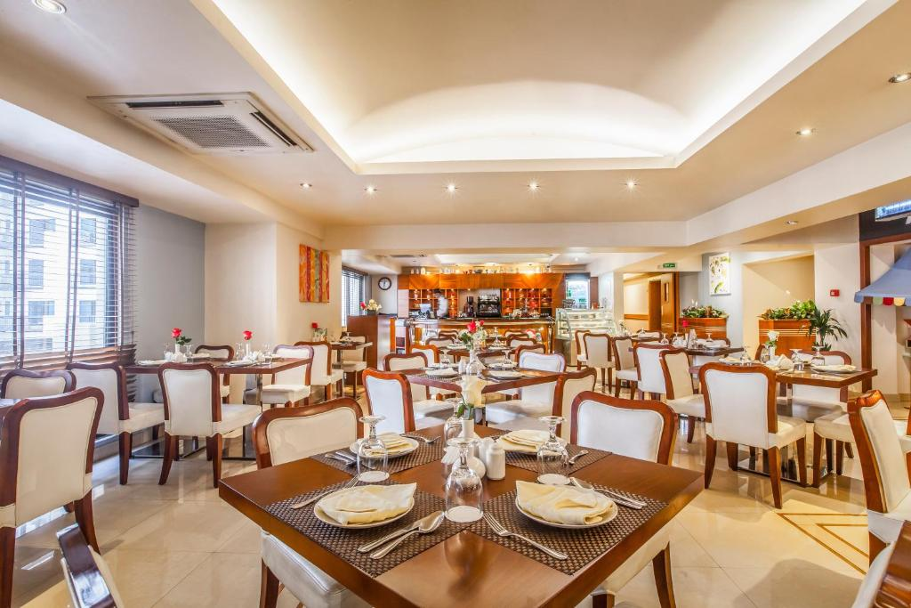 Golden Sands Hotel Apartments, Dubai – Updated 2018 Prices