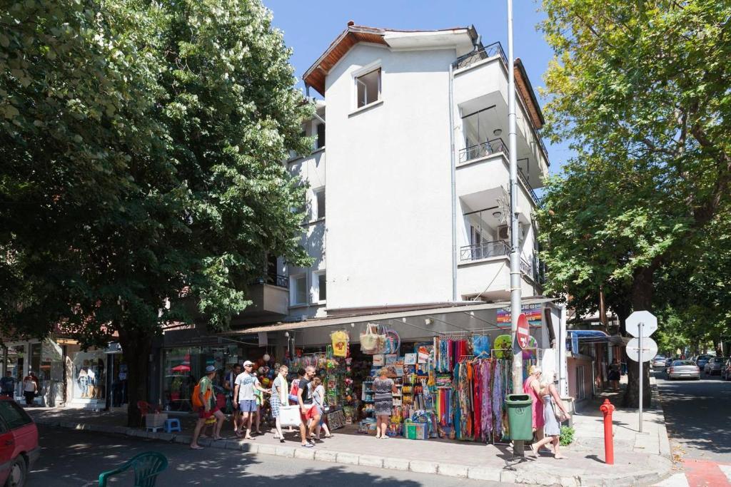 Апартамент Mila's Place - Несебър