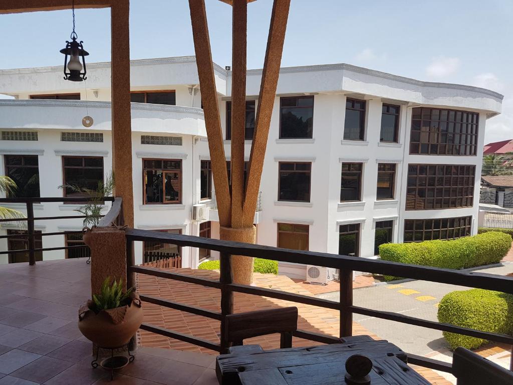 agyeiwaa apartments sekondi takoradi ghana bookingcom