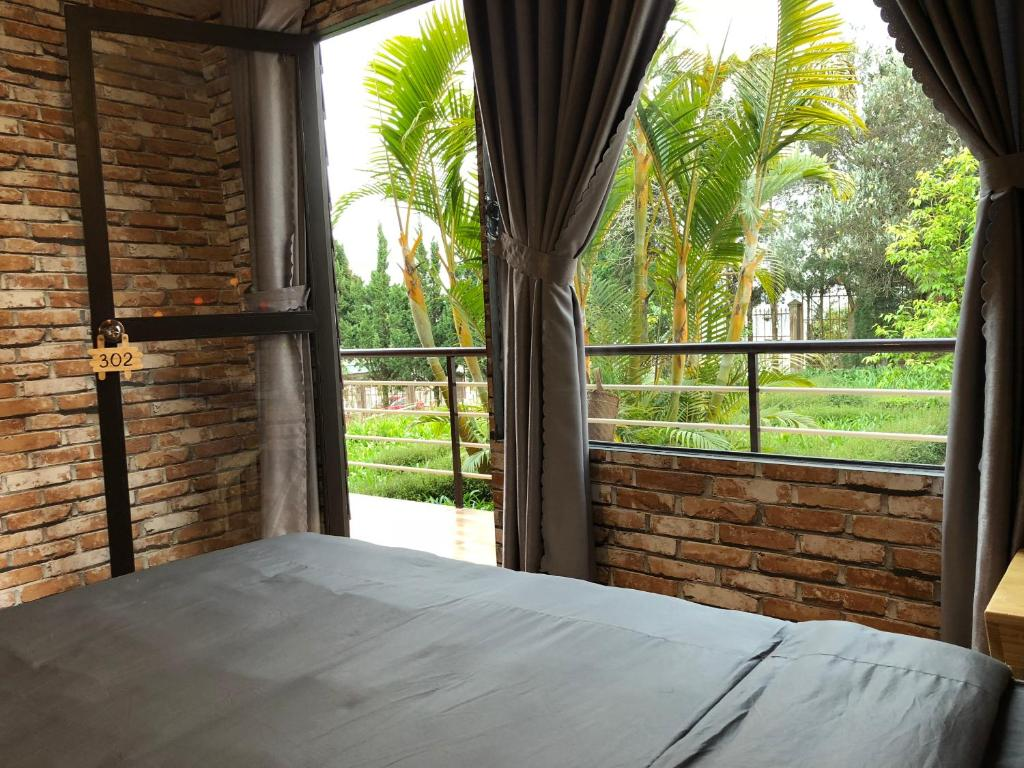 Hotel Pine Tree House Da Lat Vietnam Bookingcom