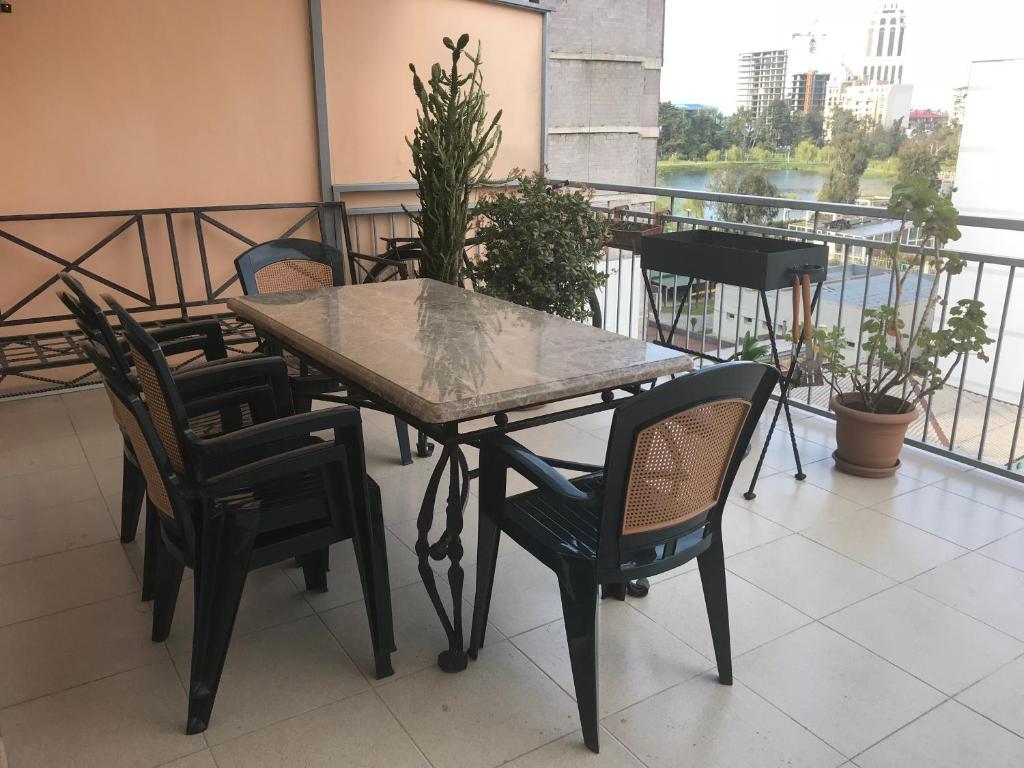 Apartments Gorgiladze 50/52