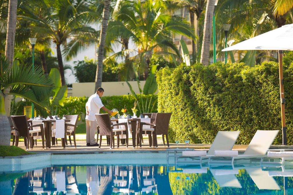 Sunset Plaza Beach Resort & Spa, Puerto Vallarta – Precios ...