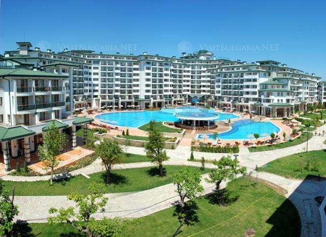 Апартамент Private in Emerald Resort Ravda - Равда
