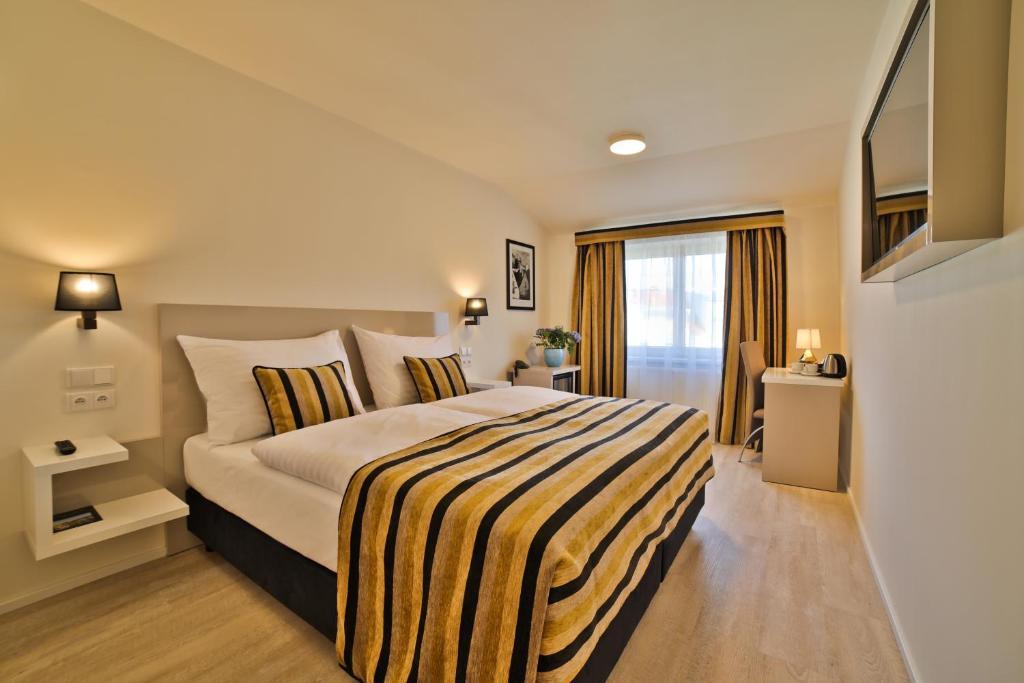 Vasca Da Bagno Ariston Prezzi : Ariston & ariston patio hotel praga u2013 prezzi aggiornati per il 2019
