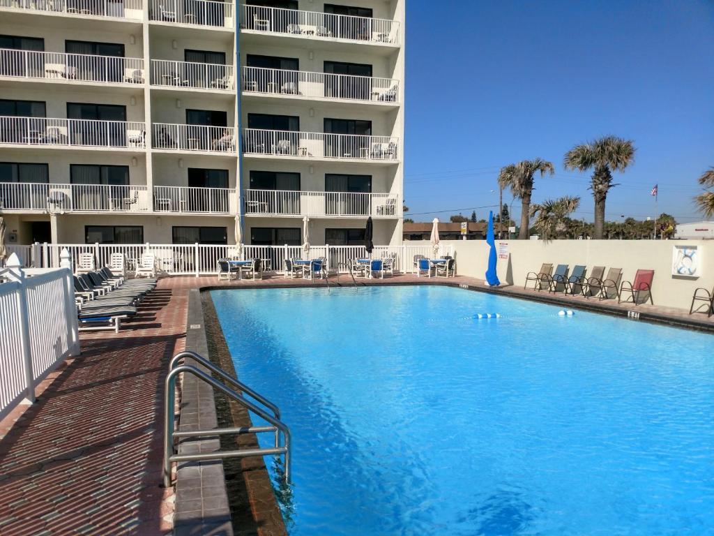 Gallery Image Of This Property 6 Photos Close Catalina Beach Club Daytona