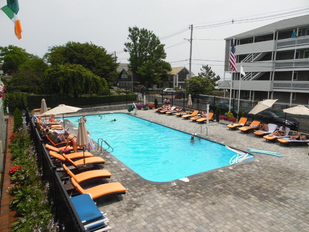 The swimming pool at or near Surfside Hotel and Suites