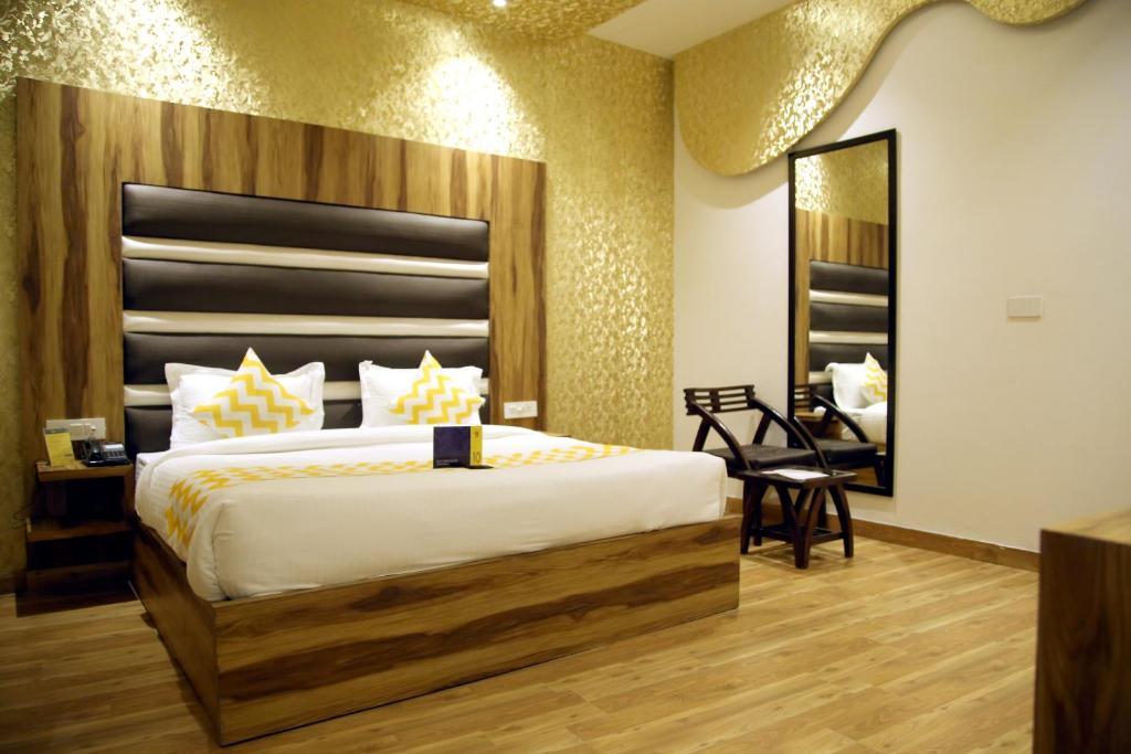Fab Hotel Royal Suites