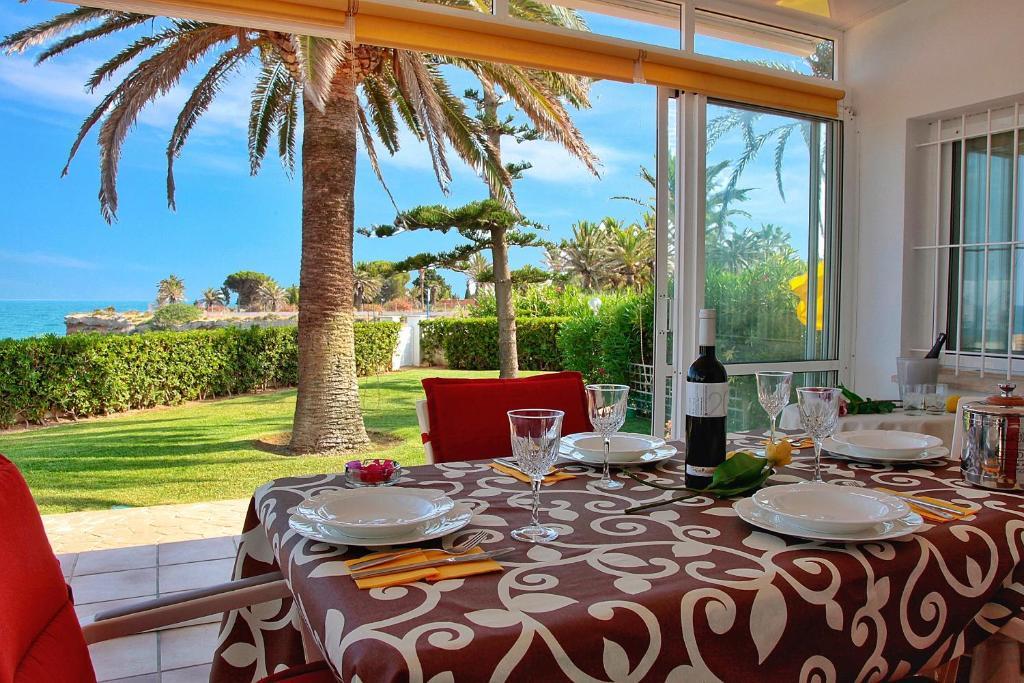 Vakantiehuis Casa Vesalia a primera línea de mar (Spanje ...