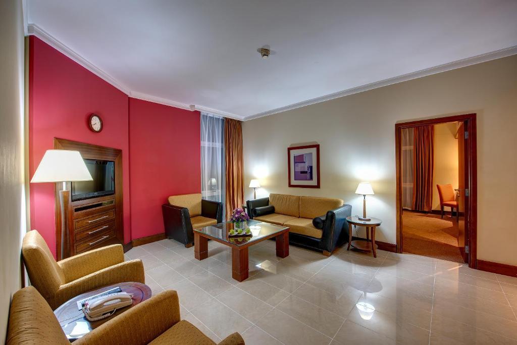 wohn poolbar bildergalerie dieser unterkunft j5 rimal hotel apartments vae dubai bookingcom
