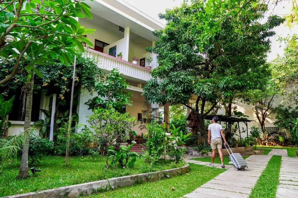 Resort Lanis House By The Ponds Laos Vientiane