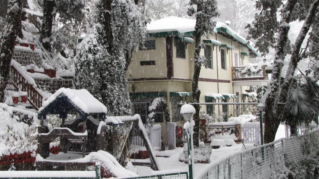 La Villa Bethany during the winter