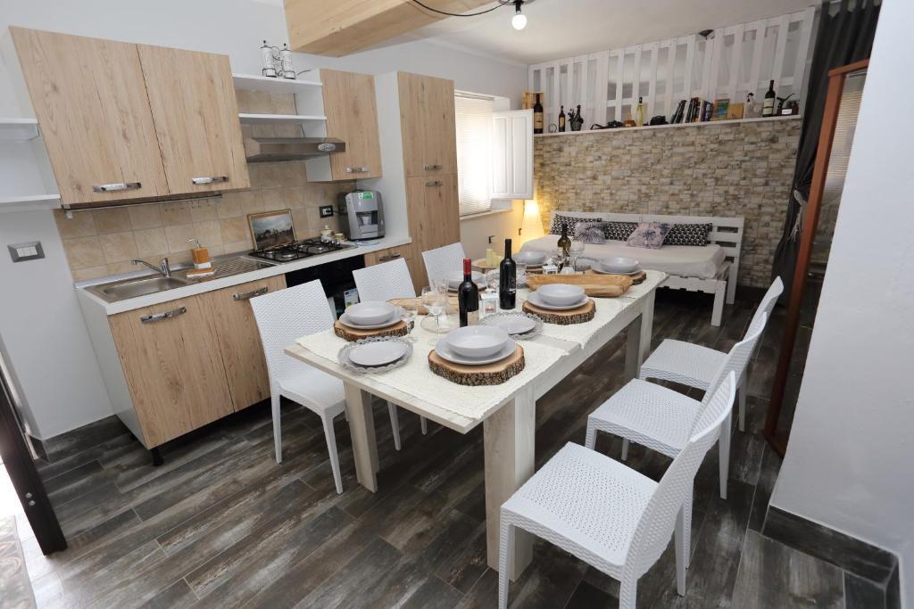 Apartment Casa Del CicloTurista, Santadi, Italy - Booking.com