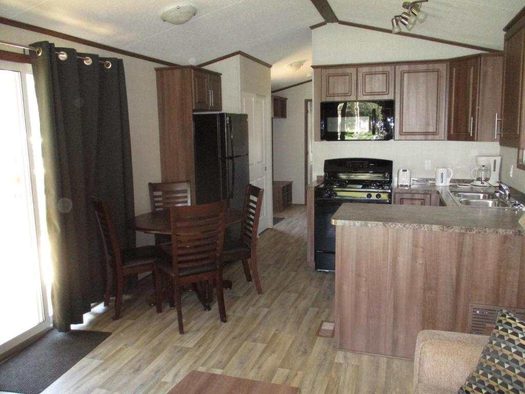 Pickerel Park RV Resort & Campground, Napanee, Canada - Booking com