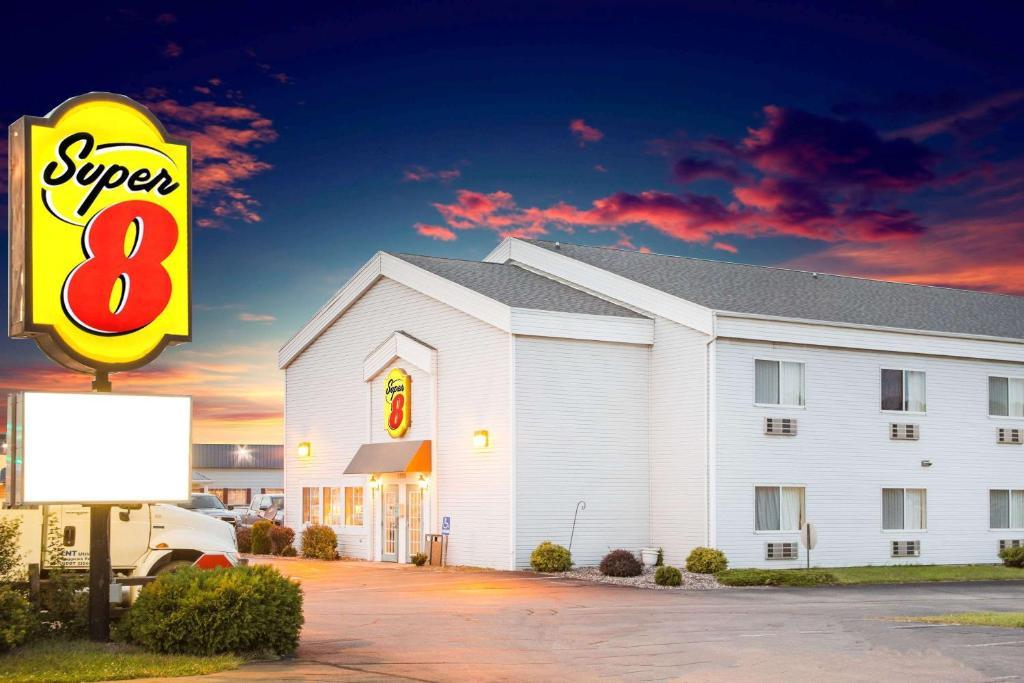 Hotel Super 8 By Wyndham Prairie Du Chien Prairie Du Chien Wi