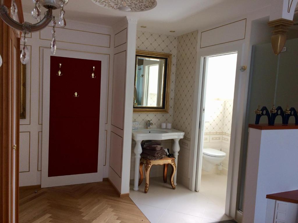 Pension Haus Sanz, Vienna, Austria - Booking.com