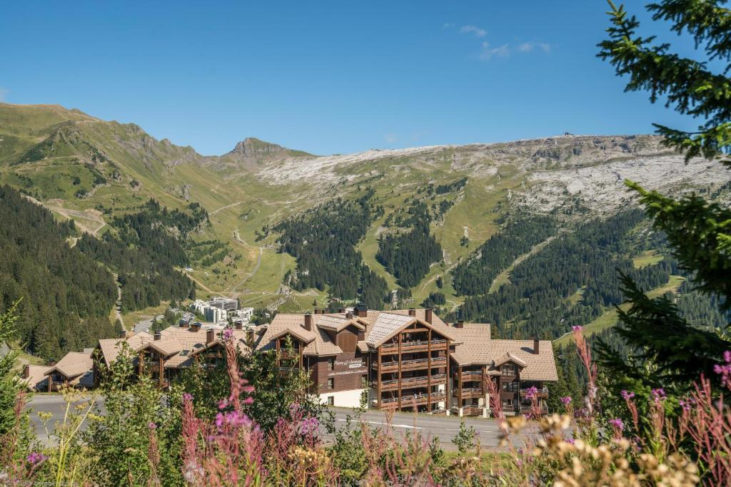 Resort Pierre Vacances Premium Hlios Flaine France Bookingcom