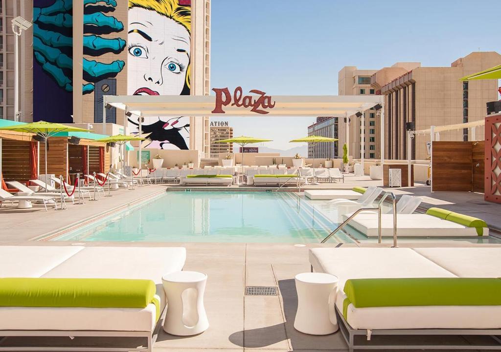 Plaza Hotel Vegas