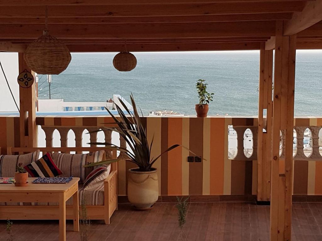 Een algemene foto of uitzicht op zee vanuit het hostel