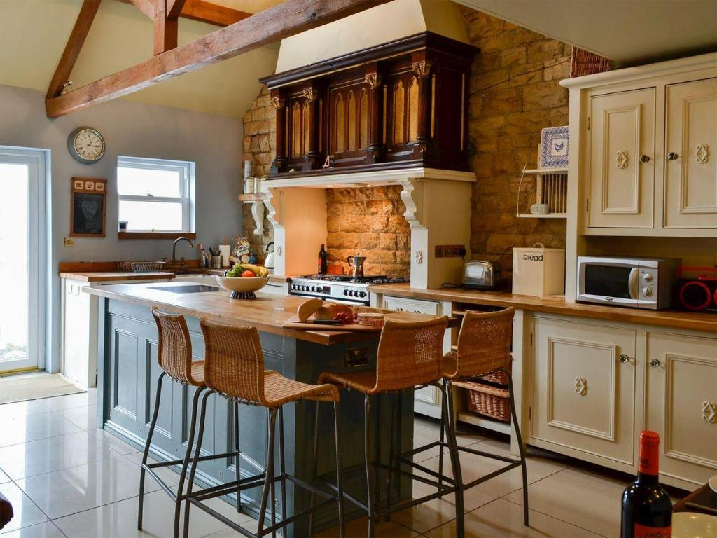 A kitchen or kitchenette at The Old Rectory