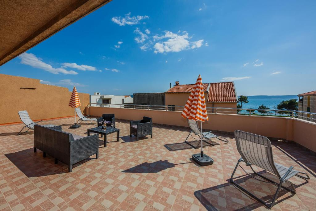 Apartment Penthouse Sea View Kastela Croatia Booking Com