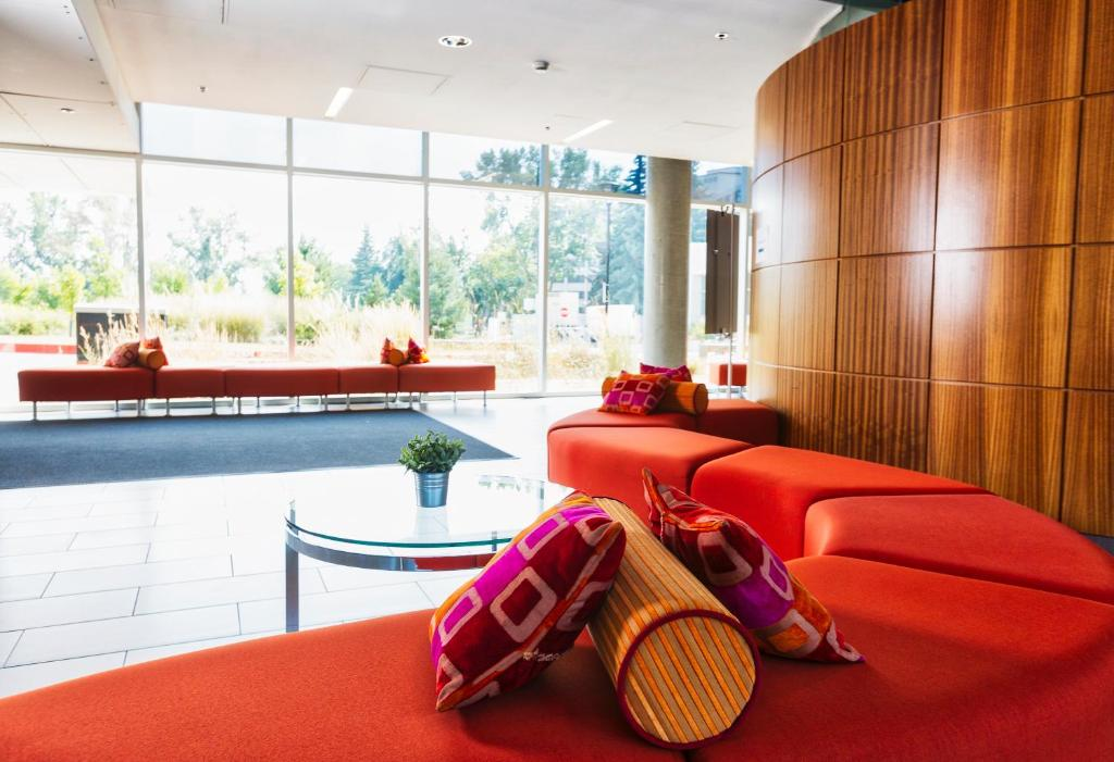 Hotel Alma Amp Seasonal Residence Calgary Canada Booking Com