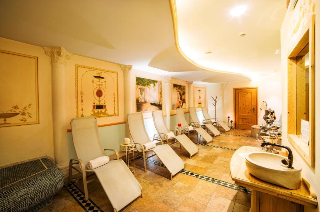 Cavallino Lovely Hotel Andalo Italy Bookingcom