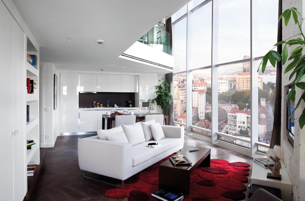 A seating area at The Elysium Istanbul Hotel & SPA