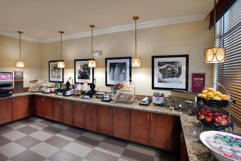 hilton garden inn west palm beach airport reserve now gallery image of this property gallery image of this property - Hilton Garden Inn West Palm Beach