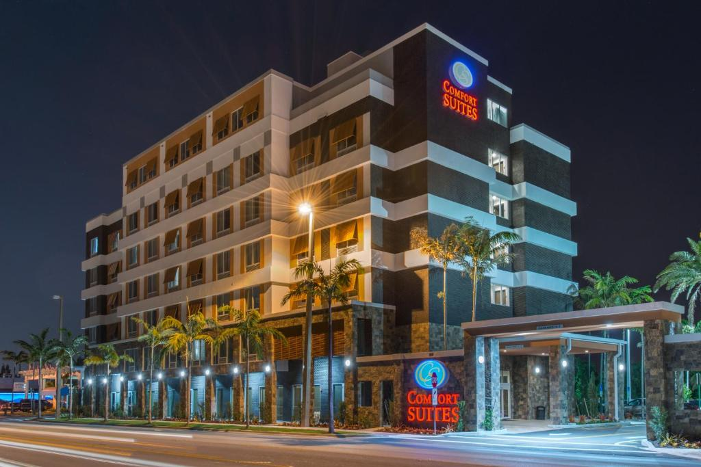 The Comfort Suites Fort Lauderdale Airport & Cruise Port.