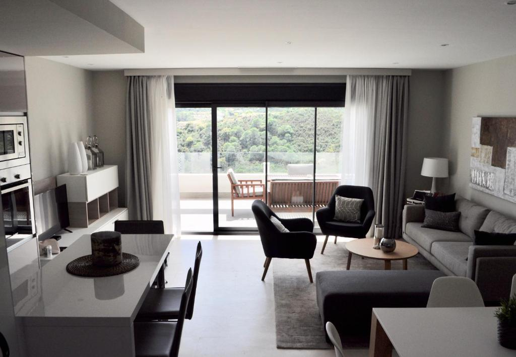 A seating area at Ocean Hills Duplex Penthouse Appartement