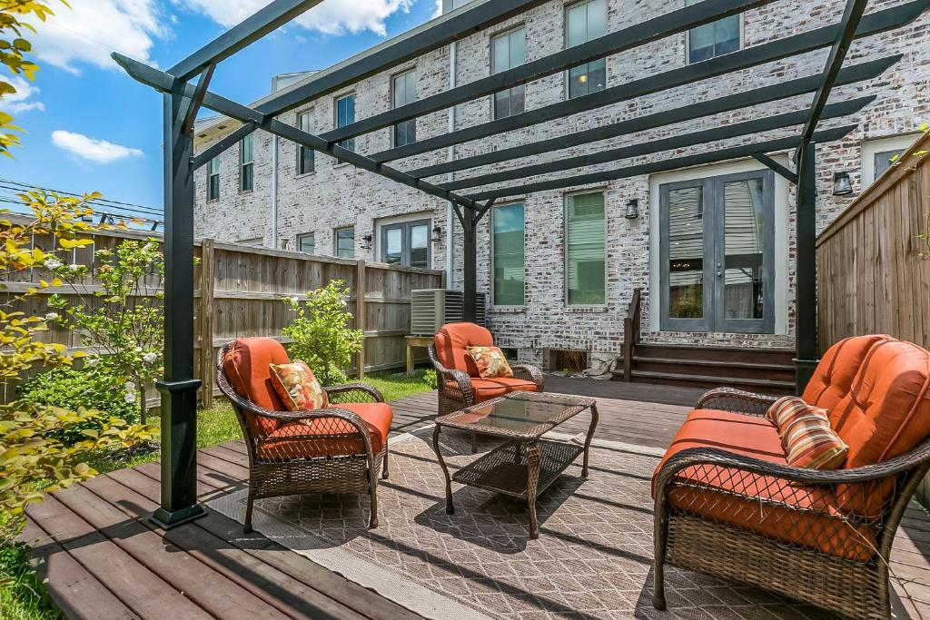 Apartment Luxury Loft-Style 3BR Townhouse by, New Orleans ...