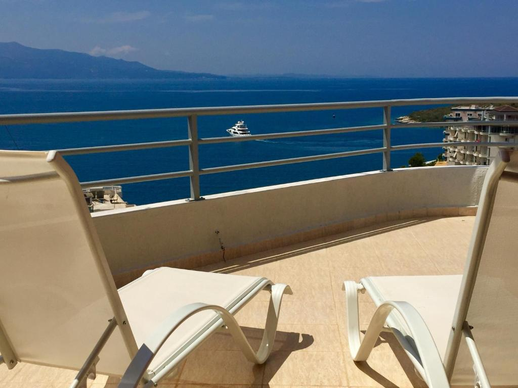 A balcony or terrace at Sea and Sky Apartments Sarande