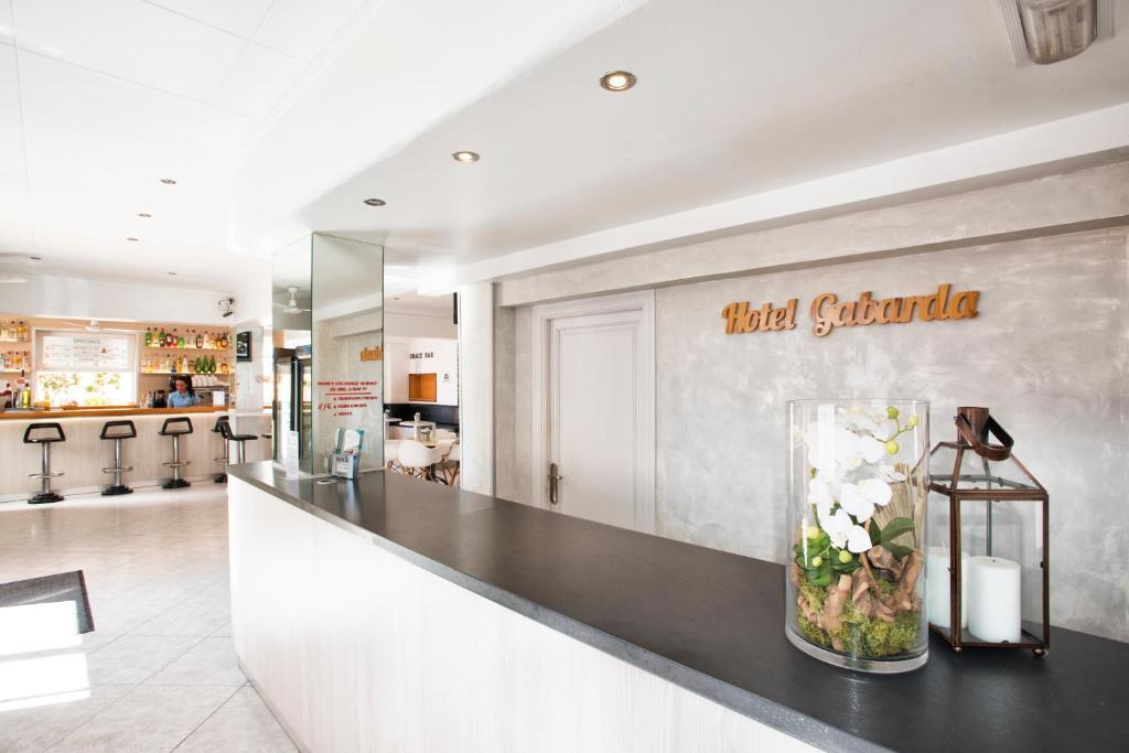 El vestíbulo o zona de recepción de Hotel Gabarda & Gil