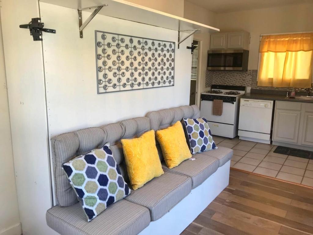Apartment Beautiful Studio Minutes from Riverwalk (Apt #3), San ...