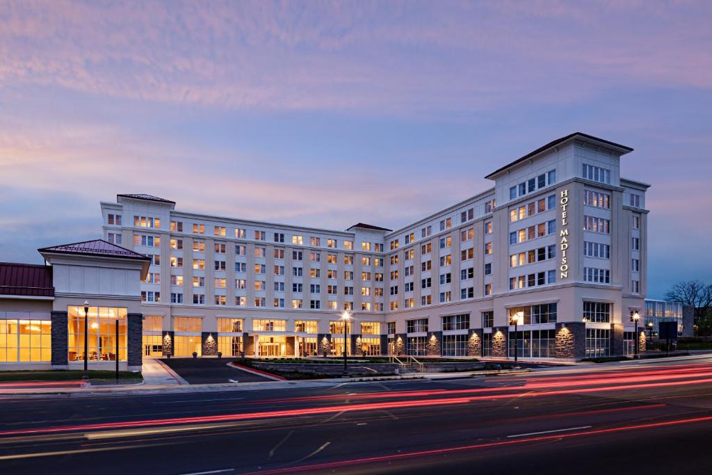 hotel madison shenandoah conf harrisonburg va. Black Bedroom Furniture Sets. Home Design Ideas