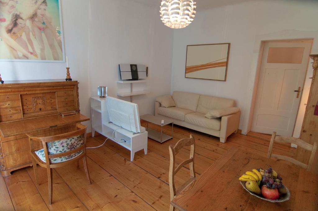 Apartment Kunsthofperle Dresden Germany Booking Com
